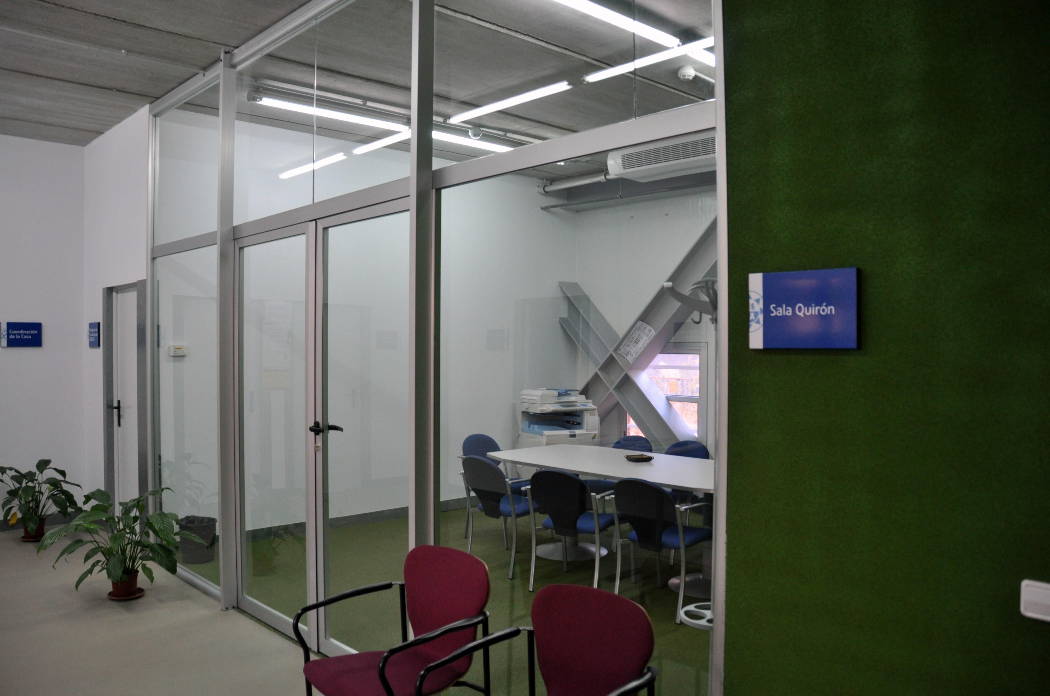Reserva De La Sala Quirón (sala De Estudio / Trabajo En Grupo)