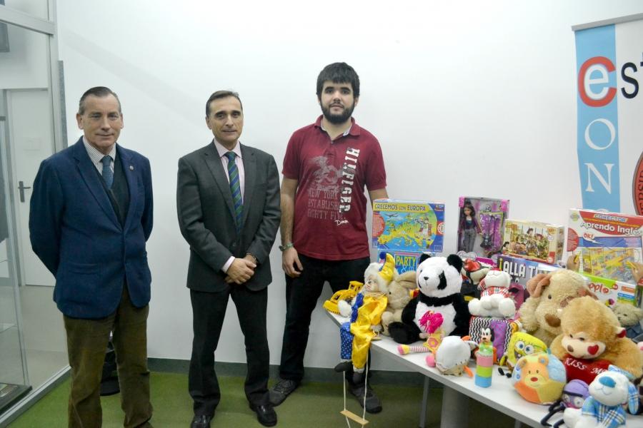 El Ayuntamiento Recoge Los Juguetes Donados En La Casa Del Estudiante