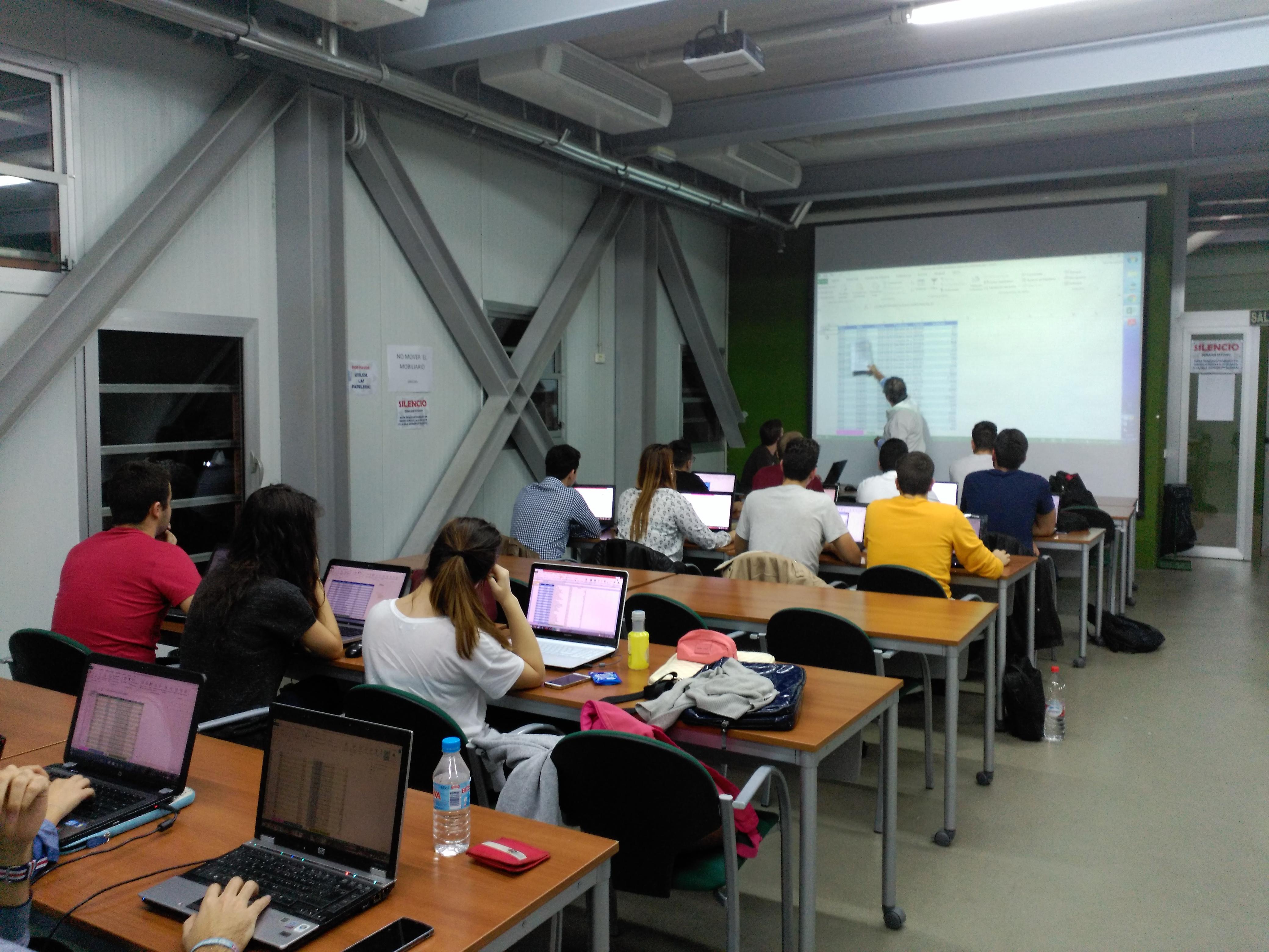 La Casa Del Estudianteorganiza Dos Cursos De Formación De Los Programas Ofimáticos Word Y Excel