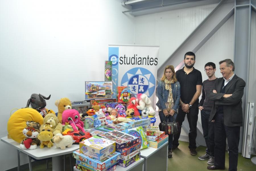 La UPCT Entrega Al Ayuntamiento Los Juguetes Donados Por La Comunidad Universitaria