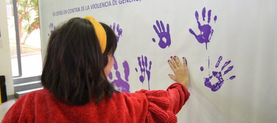 Estudiantes, PAS y PDI de la UPCT dejan su huella contra la violencia de género